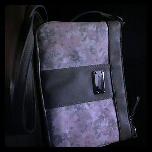 A nine west purse...